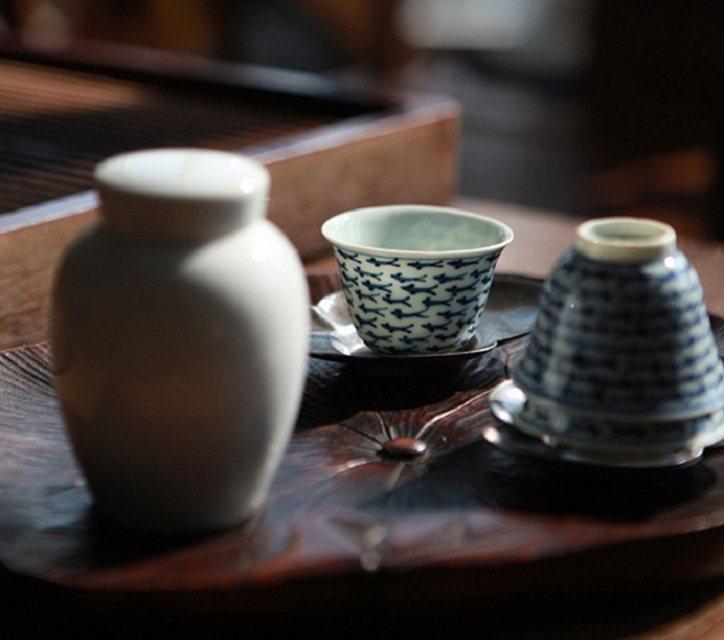 茶,陈了就是古董,人,久了便是回忆。