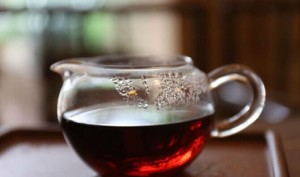 茶等的,是一个懂她的人,人等的,是一杯倾心的茶。-贾旭博客